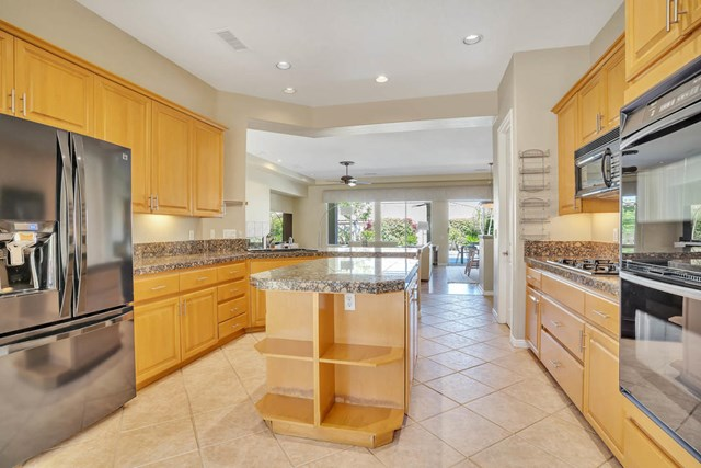Closed | 47910 Via Zurich La Quinta, CA 92253 19