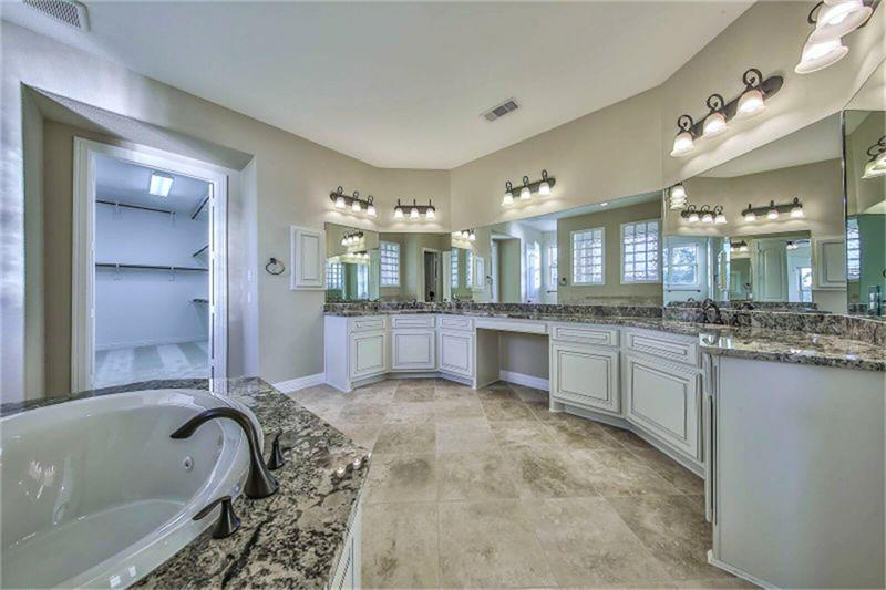 Pending | 5434 Abington Creek  Lane Sugar Land, TX 77479 23