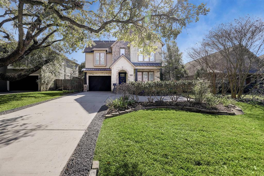Active   975 W 42nd  Street Houston, TX 77018 2