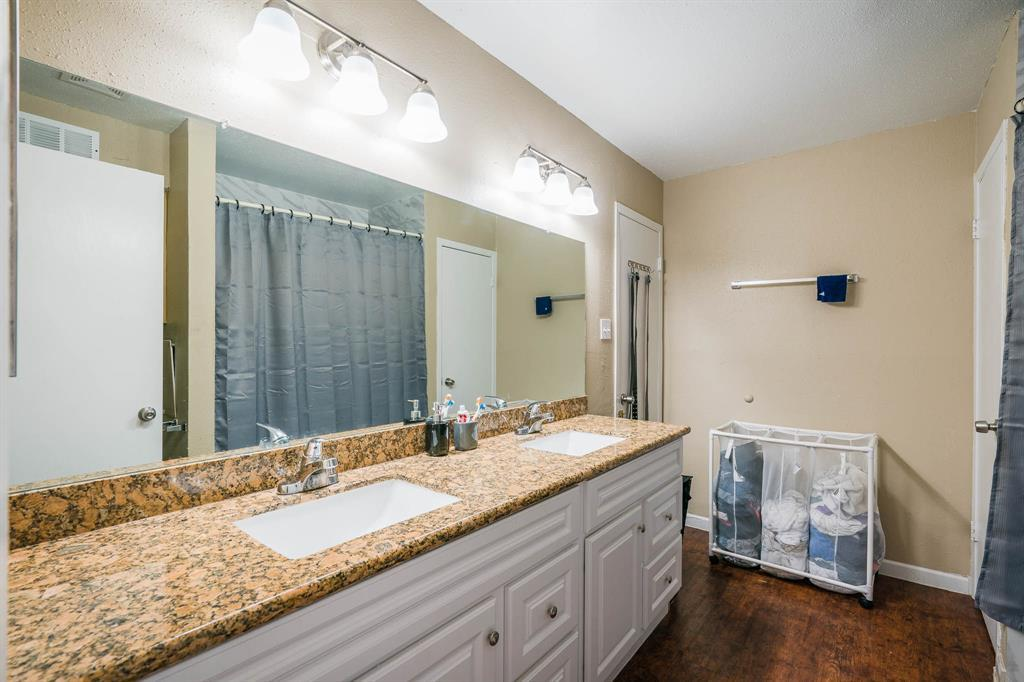 Active | 10075 Westpark  Drive #17C Houston, TX 77042 21