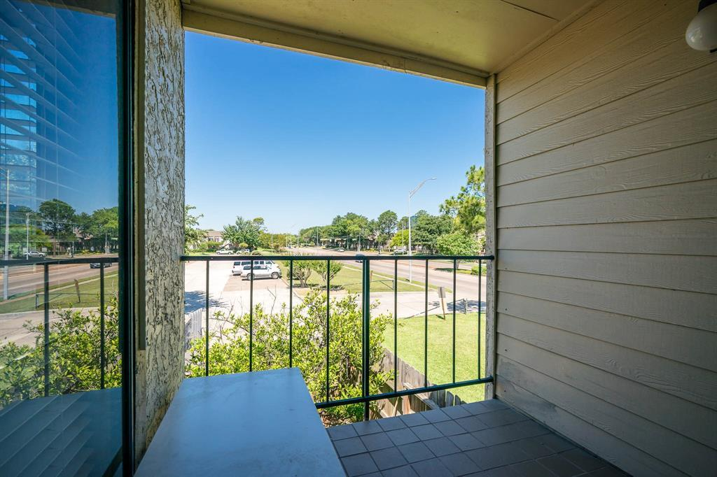Active | 10075 Westpark  Drive #17C Houston, TX 77042 31