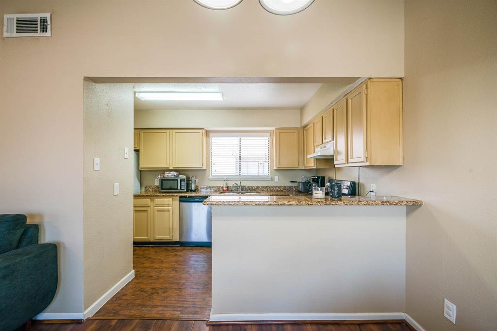 Active | 10075 Westpark  Drive #17C Houston, TX 77042 33