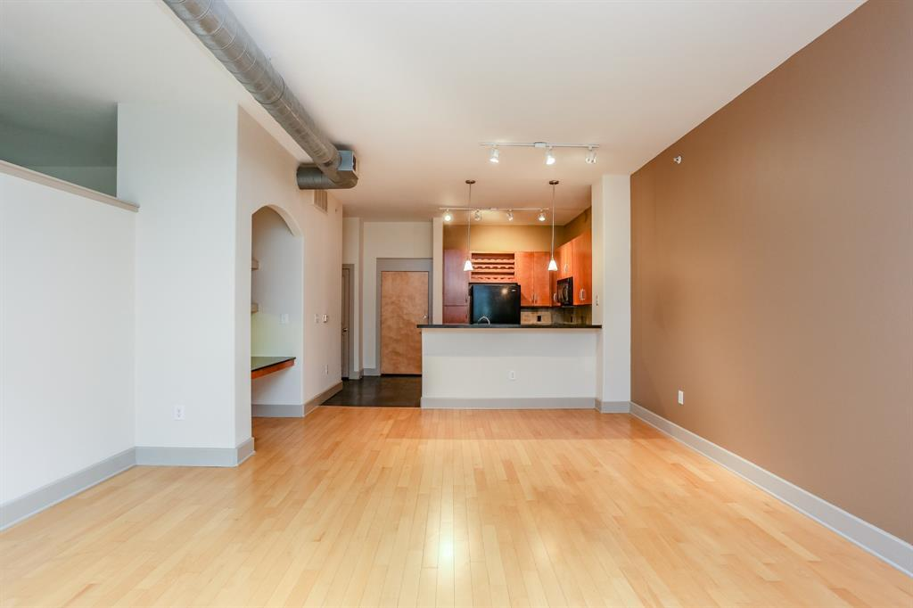 Active | 1901 Post Oak  Boulevard #2108 Houston, TX 77056 10