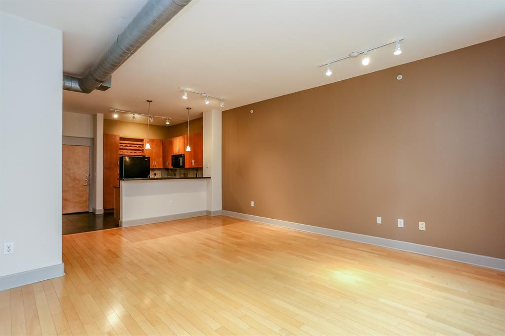 Active | 1901 Post Oak  Boulevard #2108 Houston, TX 77056 11