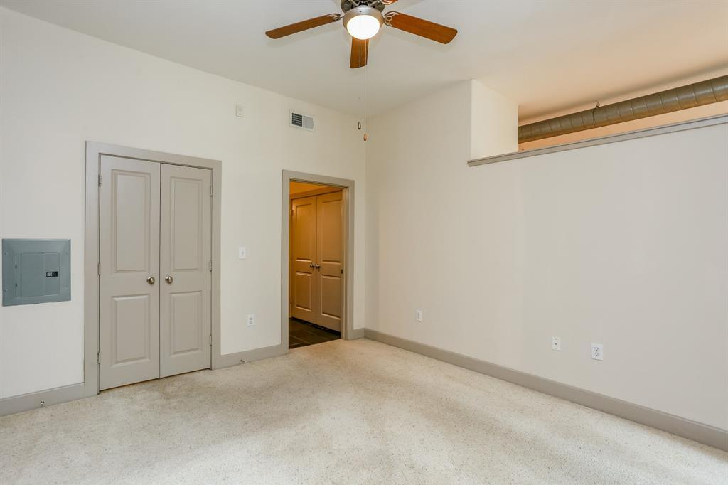 Active | 1901 Post Oak  Boulevard #2108 Houston, TX 77056 15