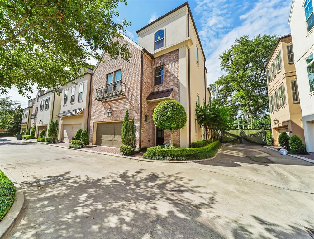 Pending Continue to Show | 1944 Woodbury  Street Houston, TX 77030 43