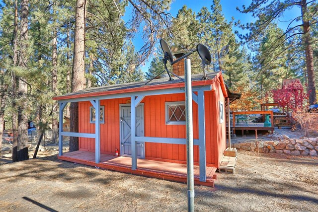 Closed | 1132 Edna  Street Wrightwood, CA 92397 4