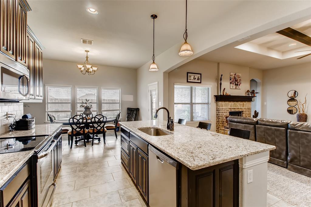 Sold Property | 661 Creek Point  Drive Saginaw, TX 76179 9