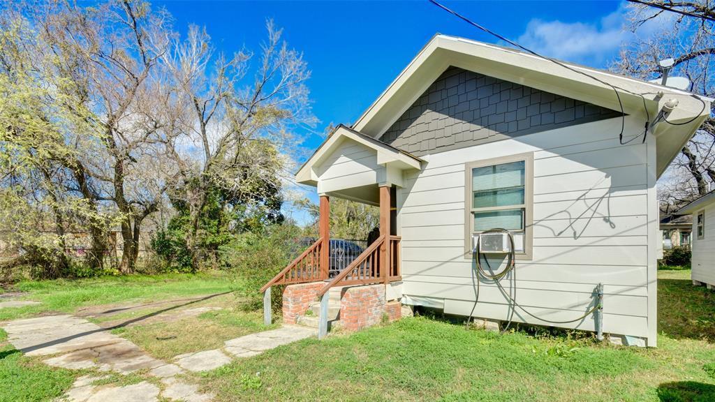 Active | 3011 Dennis Street Houston, TX 77004 19