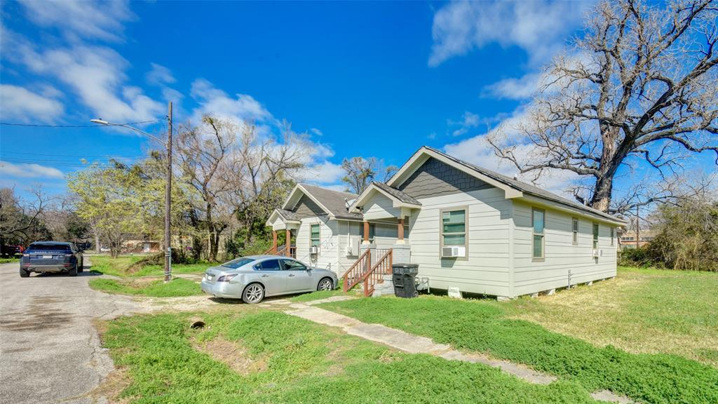 Active | 3011 Dennis Street Houston, TX 77004 21