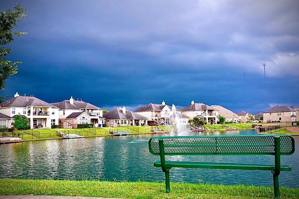 Active | 3926 Amalfi Shores  Court Missouri City, TX 77459 2