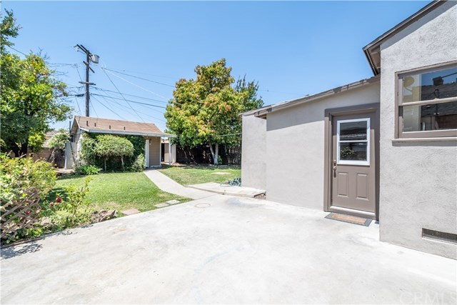 Closed | 10146 Stagg  Street Sun Valley, CA 91352 24