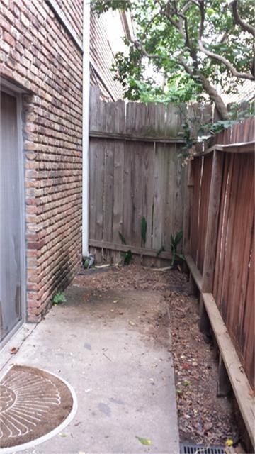 Active | 2121 Fountain View  Drive #D-63 Houston, TX 77057 14