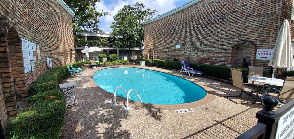 Active | 2121 Fountain View  Drive #D-63 Houston, TX 77057 15