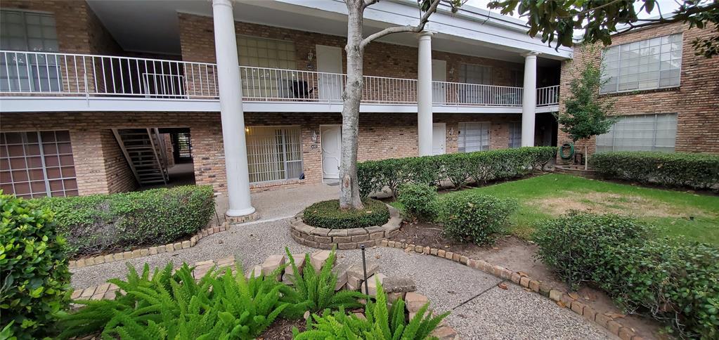 Active | 2121 Fountain View  Drive #D-63 Houston, TX 77057 16