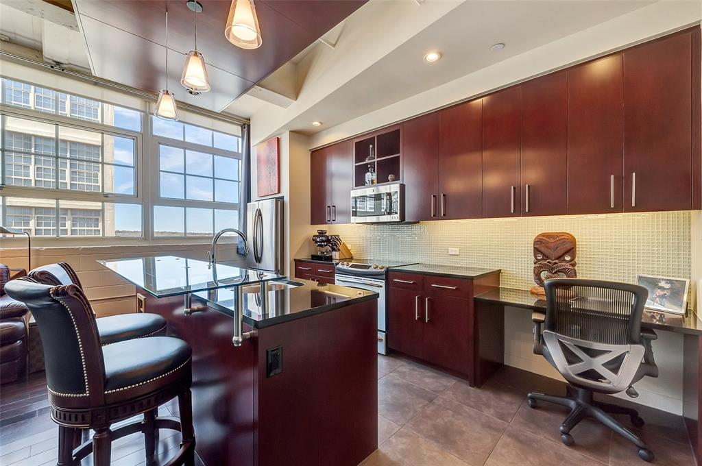 Active   2600 W 7th Street #2620 Fort Worth, Texas 76107 7