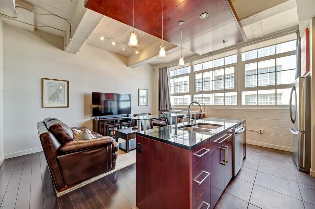 Active   2600 W 7th Street #2620 Fort Worth, Texas 76107 8