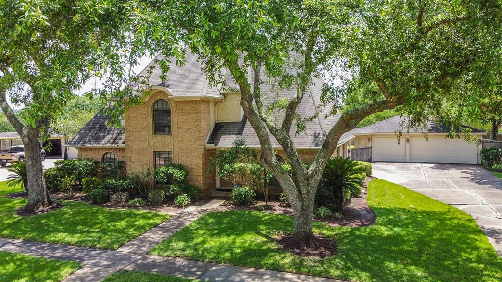 Active | 3223 E Farmington Lane Sugar Land, TX 77479 1