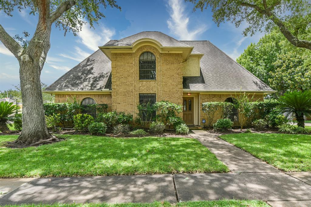 Active | 3223 E Farmington Lane Sugar Land, TX 77479 2
