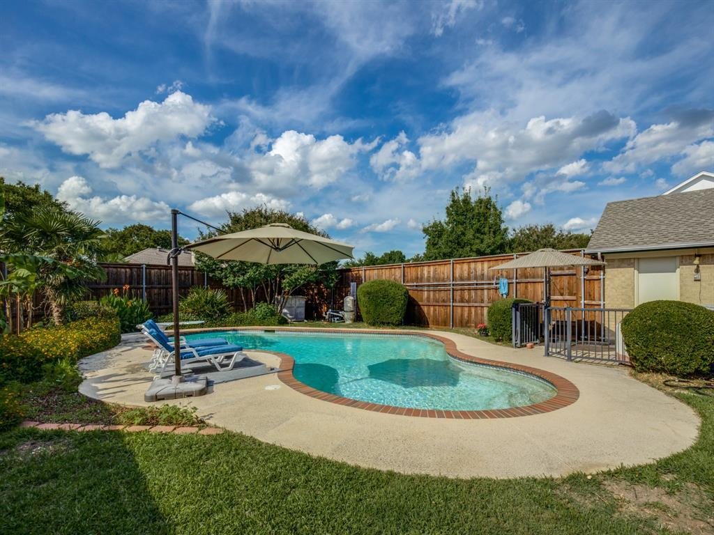 Sold Property | 406 Kingsbridge  Circle Garland, TX 75040 33