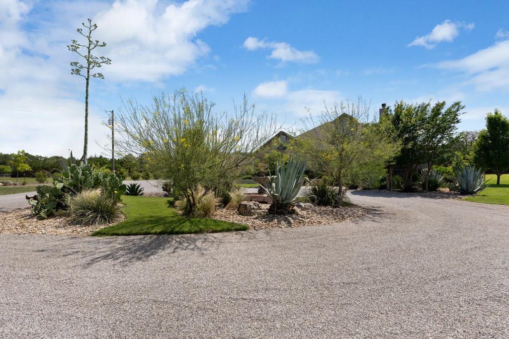 Pending | 417 Beauchamp Dripping Springs, TX 78620 2