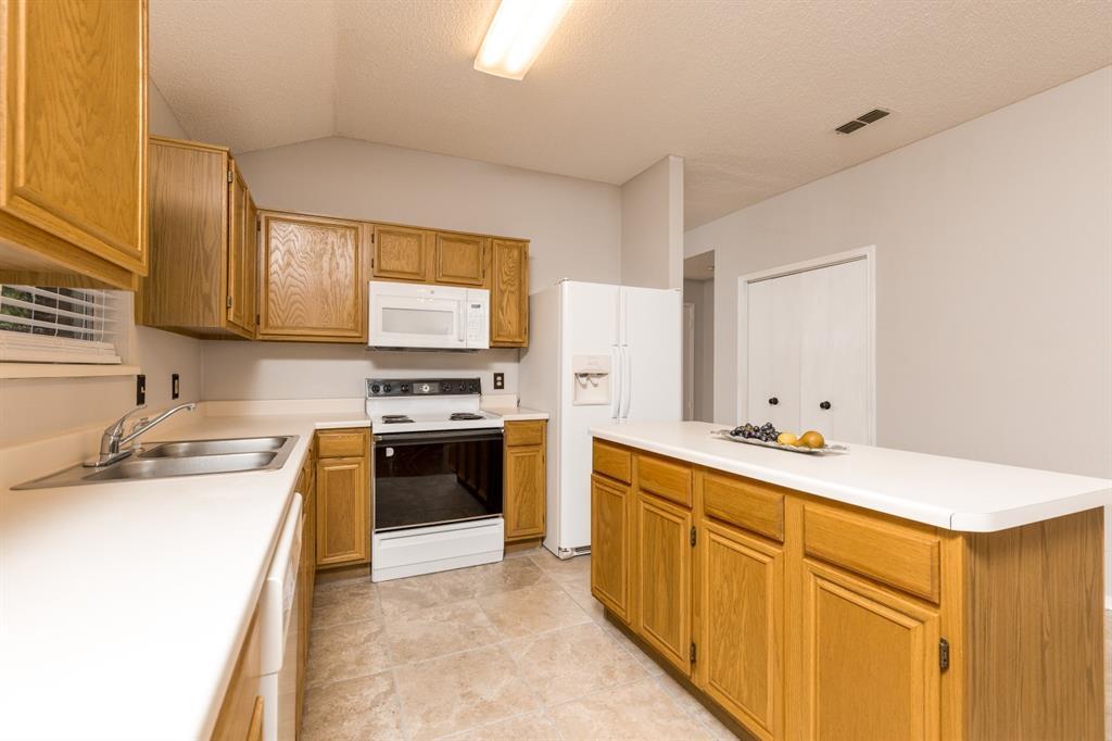 Sold Property | 6306 Blaney  Drive Arlington, TX 76001 12