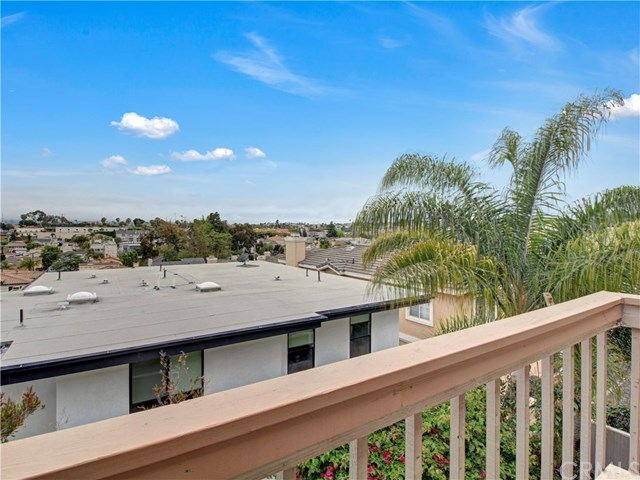 Closed | 1920 Voorhees  Avenue #3 Redondo Beach, CA 90278 25