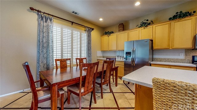 Closed   20298 Cameo  Road Apple Valley, CA 92308 7