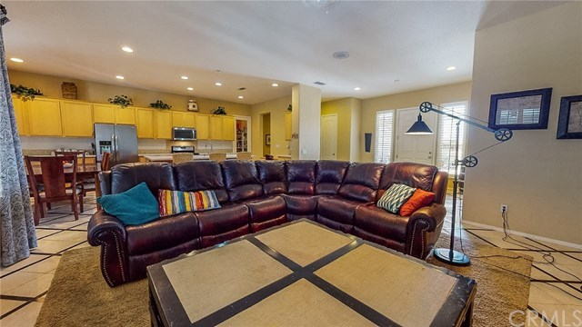 Closed   20298 Cameo  Road Apple Valley, CA 92308 9