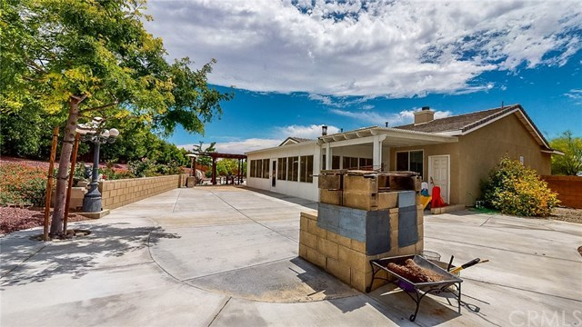 Closed | 20298 Cameo  Road Apple Valley, CA 92308 22
