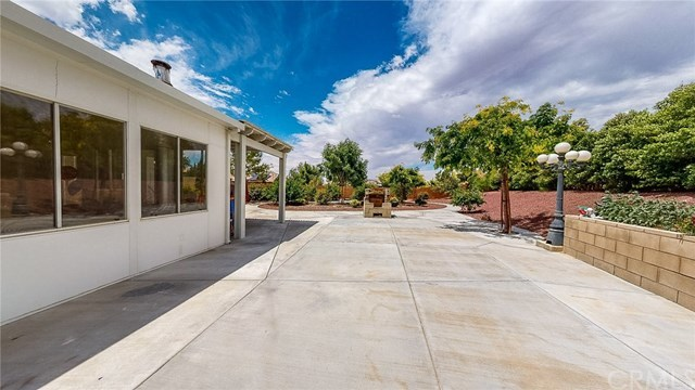 Closed   20298 Cameo  Road Apple Valley, CA 92308 23
