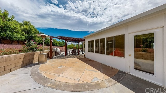 Closed   20298 Cameo  Road Apple Valley, CA 92308 24