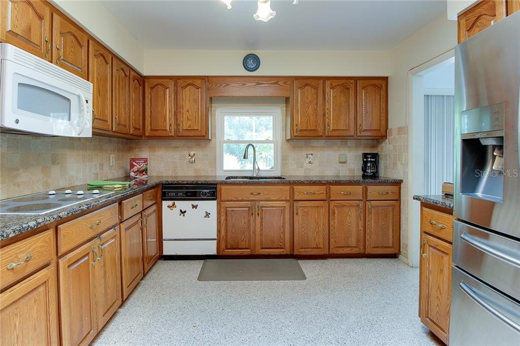 Sold Property | 5582 CAPE AQUA  DRIVE SARASOTA, FL 34242 13