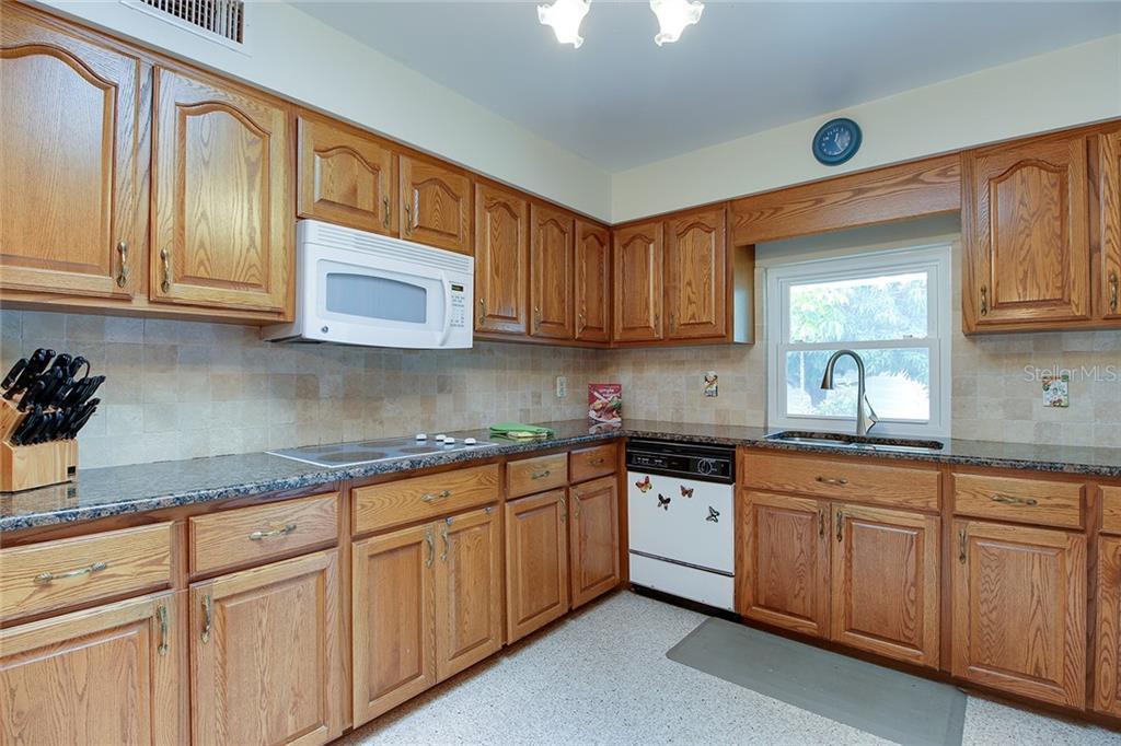 Sold Property | 5582 CAPE AQUA  DRIVE SARASOTA, FL 34242 14