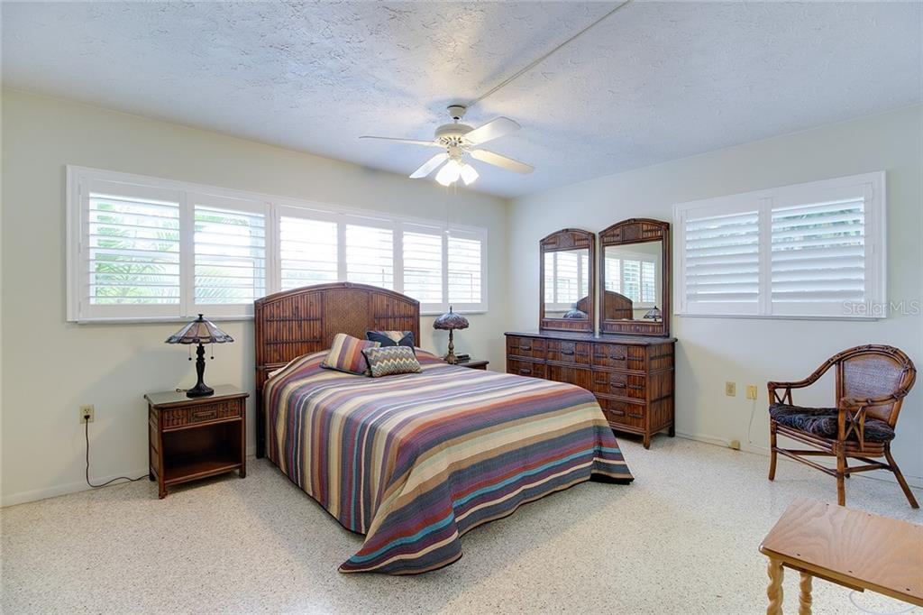 Sold Property | 5582 CAPE AQUA  DRIVE SARASOTA, FL 34242 16