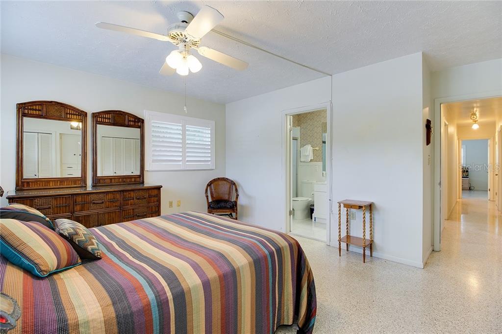 Sold Property | 5582 CAPE AQUA  DRIVE SARASOTA, FL 34242 17