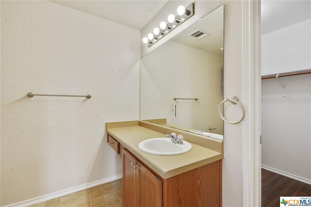 Sold Property   1100 Portchester Castle Path Pflugerville, TX 78660 17
