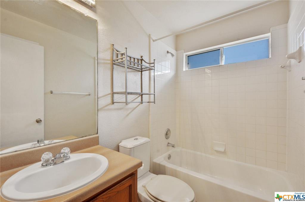 Sold Property   1100 Portchester Castle Path Pflugerville, TX 78660 22