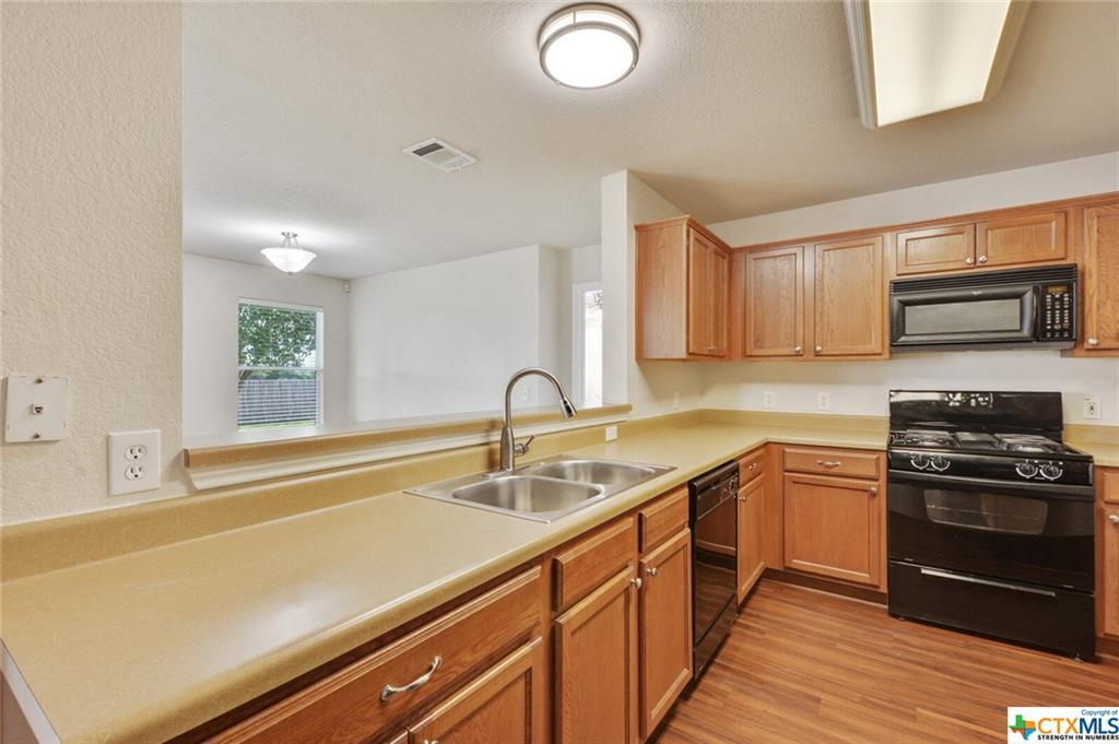 Sold Property   1100 Portchester Castle Path Pflugerville, TX 78660 9