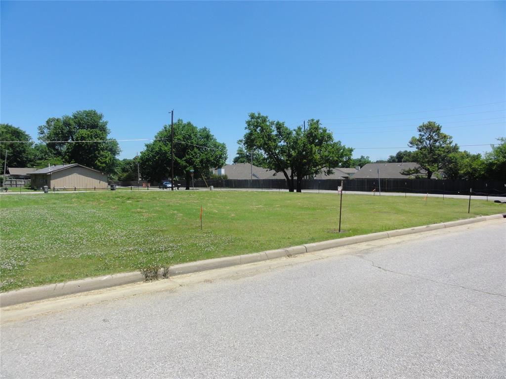 Active | 1713 W Pine Place Tulsa, OK 74127 3