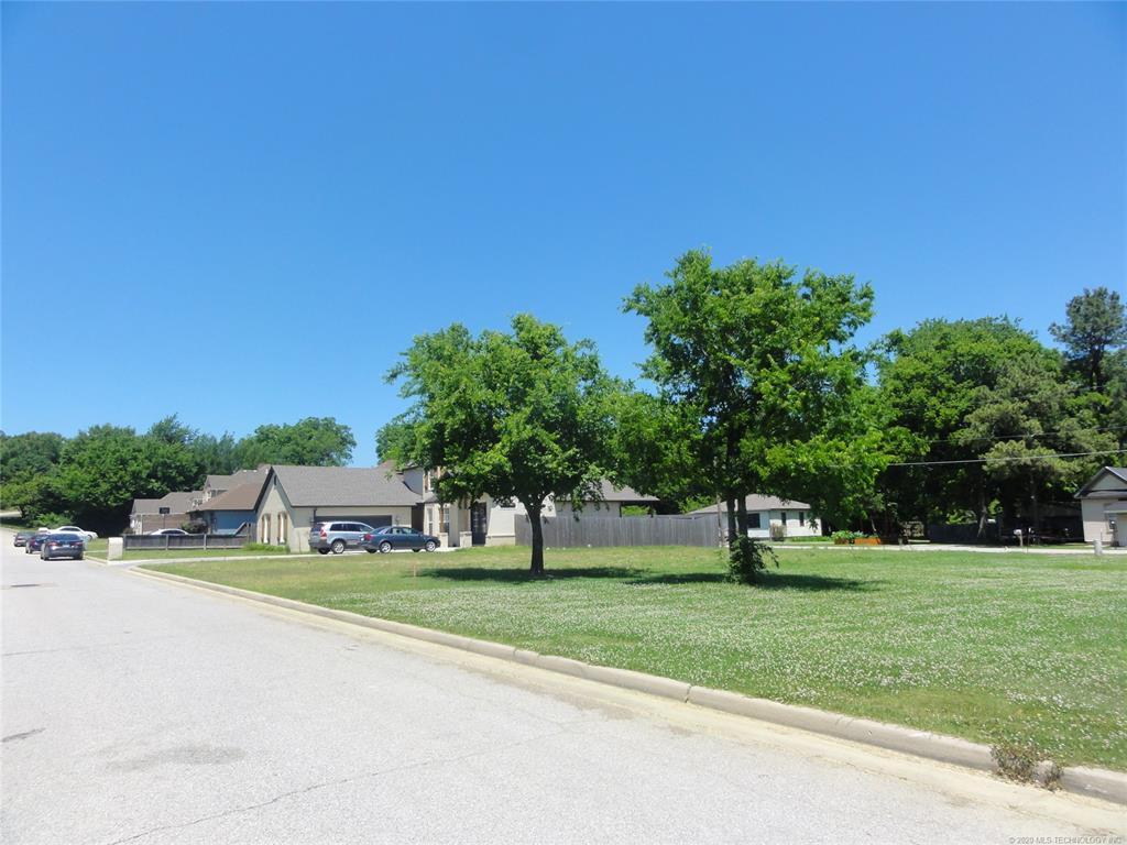 Active | 1713 W Pine Place Tulsa, OK 74127 8