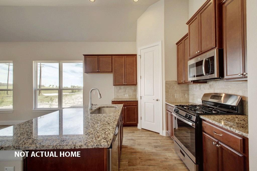 Active | 8506 Bar-K Ranch  Road Lago Vista, TX 78645 7