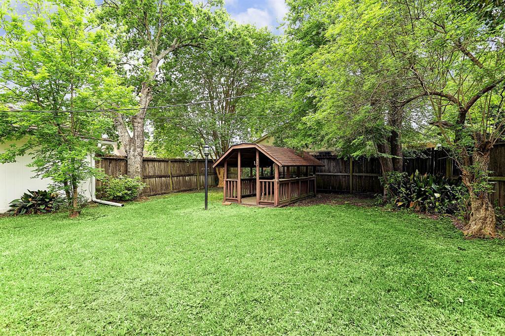 Active | 8114 Glenloch Drive Houston, Texas 77061 34
