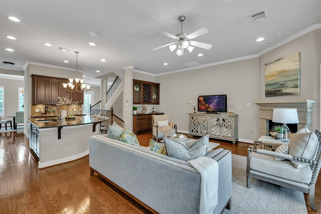 Active | 39 Islewood  Boulevard The Woodlands, TX 77380 11