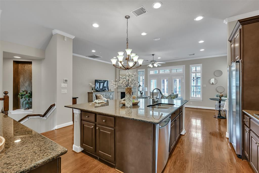 Active | 39 Islewood  Boulevard The Woodlands, TX 77380 16