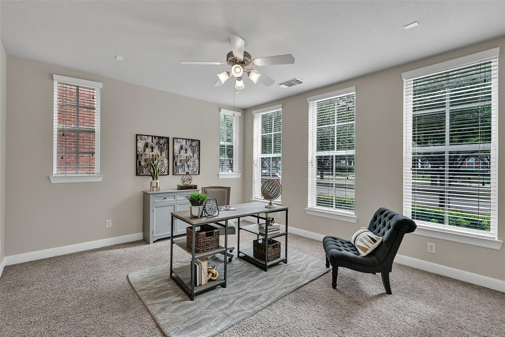 Active | 39 Islewood  Boulevard The Woodlands, TX 77380 3
