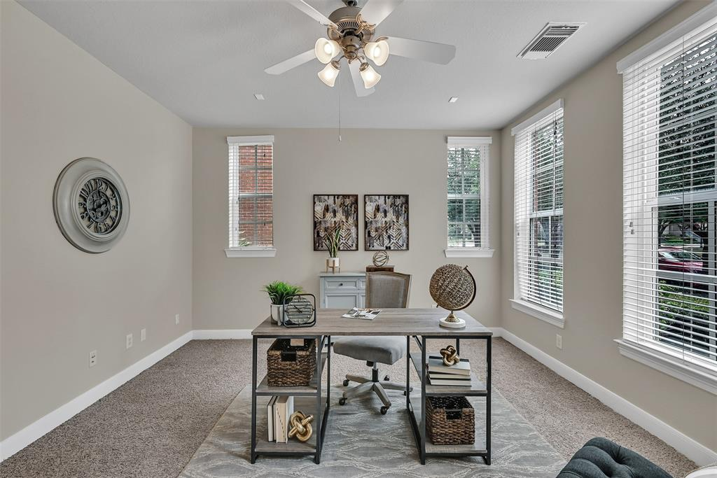 Active | 39 Islewood  Boulevard The Woodlands, TX 77380 4