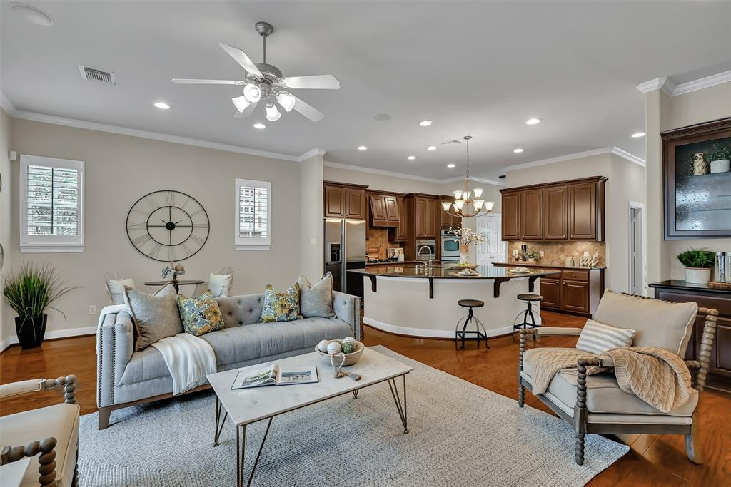 Active | 39 Islewood  Boulevard The Woodlands, TX 77380 9