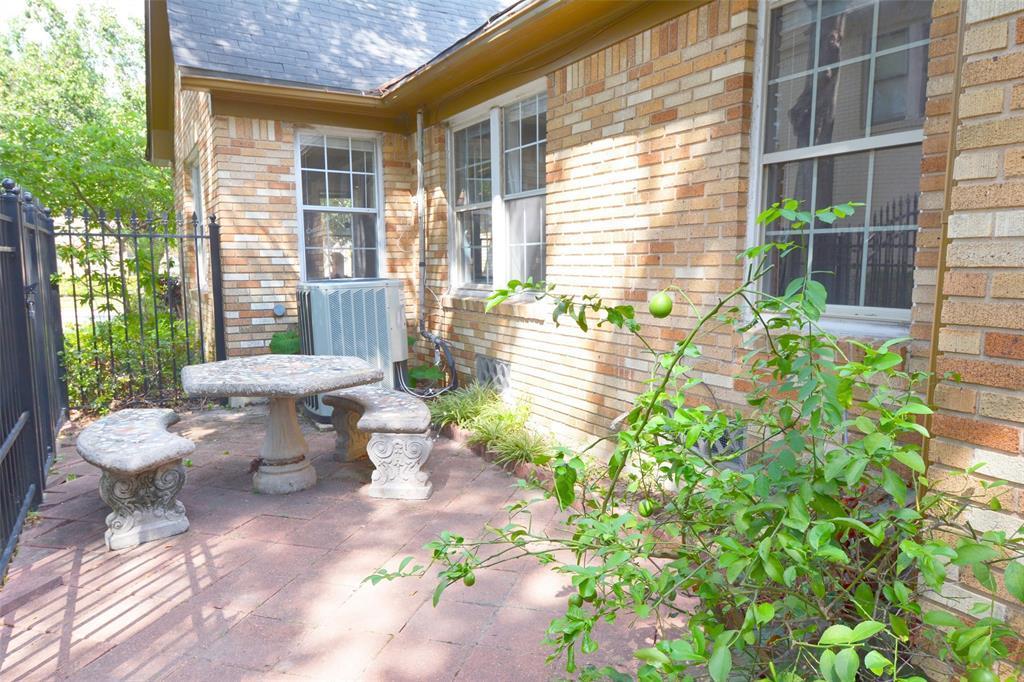 Active | 2141 Colquitt Street Houston, Texas 77098 25