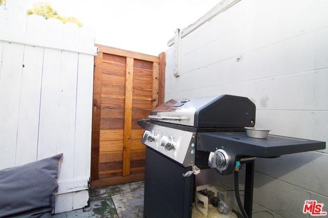 Closed | 2854 S Halm Los Angeles, CA 90034 19